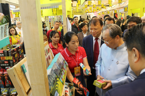 Vietnamese goods into Thai land by niche market
