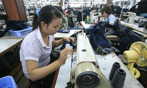 Vietnam lags billions of dollars of agricultural products and garments from China